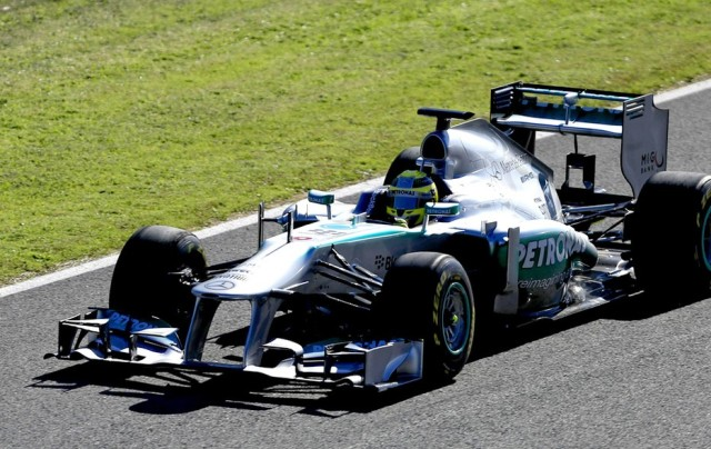 Nico Rosberg fazendo o shake-down no carro